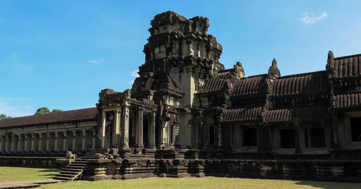 The walls of Angkor Wat