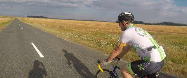 London to Paris Cyclist
