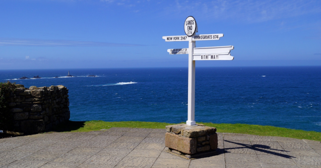 How far is it from Land's End to John O'Groats?